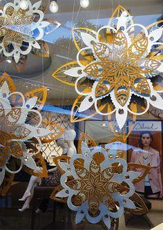Camila Nossar | Diseño Decoración Escaparates | Calada de Flores - Beloved…