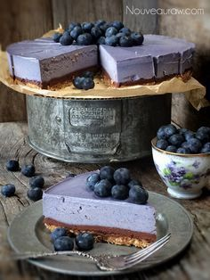 Amazing color, delicious taste, Gorgeous looking Bountiful Blueberry Chocolate Ganache Cheesecake Raw Desserts, Sweet Desserts, Just Desserts, Delicious Desserts, Yummy Food, Chocolate Desserts, Chocolate Cheesecake, Plated Desserts, Cheesecake Cake
