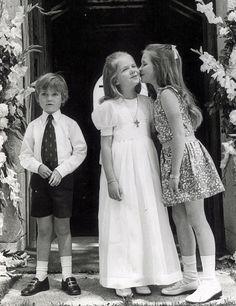 Royal Life, Royal House, Black White Photos, Black And White, Anne Maria, Spanish Royalty, Estilo Real, Spanish Royal Family, Princess Elizabeth
