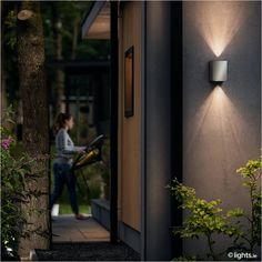 PHILIPS - Stainless steel outdoor wall light 'Cistus'