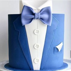 The Effective Pictures We Offer You About white Cake Design A quality picture can tell you many things. You can find the most beautiful pictures that can be presented to you about Cake Design for him Birthday Cakes For Men, Modern Birthday Cakes, Beautiful Birthday Cakes, Beautiful Cakes, Bow Cakes, Cupcake Cakes, Bolo Fack, Cake Design For Men, Tuxedo Cake