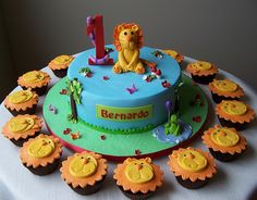 Lion cake and cupcakes by cakespace - Beth (Chantilly Cake Designs), via Flickr