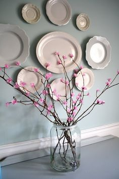 DIY Spring Crafts For the Entire Family. From table decor, tissue cherry blossom tree branches, to Easter decor with eggs - get started on these DIY crafts. Flower Crafts, Diy Flowers, Yellow Flowers, Diy Paper, Paper Crafts, Diy And Crafts, Arts And Crafts, Creation Deco, Tissue Paper Flowers