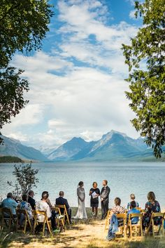 Top 5 Spots in Glacier National Park to Elope | Montanan Wedding Photographer | www.mariannewiest.com | #montanaweddingphotographer #montanaweddingphotos64