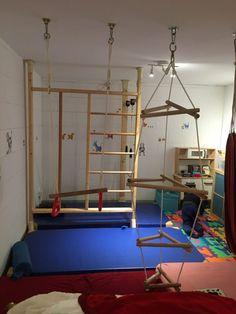 Playrooms are not just for (hyper) active children Game Room Basement, Backyard For Kids, Vinyl Siding, Diy Garden Decor, Basement Remodeling, Platform Bed, Activities For Kids, Furniture, Dream Bedroom