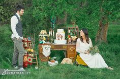 Free Love Wedding by Yellow Cactus Designs and Jonathan Ivy Photography