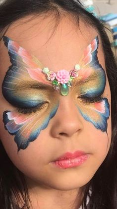 Dis one beyond my skill level but I like dis one very muchly Face Painting Halloween Kids, Adult Face Painting, Halloween Face, Halloween Makeup, Butterfly Face Paint, Face Paint Makeup, Face Painting Designs, Fantasy Makeup, Eye Make Up