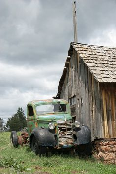 Abandoned antic old truck. Image of forgotten - 7624203 : Abandoned antic old truck. Image of forgotten - 7624203 Old Pickup Trucks, Farm Trucks, Cool Trucks, Chevy Trucks, Antique Trucks, Vintage Trucks, Antique Cars, Abandoned Cars, Abandoned Places