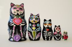 Free Shipping! Cats Day of Dead! Matryoshka Babushka Russian nesting dolls, Mexican, Mexican Day of Dead Skull, handmade Nesting figure in this set, the number 5. The height of the tallest doll 6-7 inches (18 cm). The height of the smallest doll 1.7 inches (4-5 cm).
