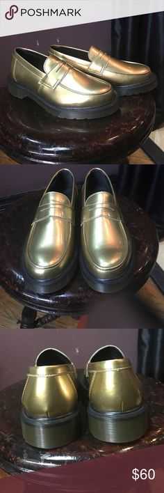 NWT Dr.Martens Abby Gold oxford slip on shoes NWT Dr.Martens Abby Gold penny loafer shoes. Never worn. Perfect for the season!! Size 37eu  US:6L UK:4 so my guess is it's somewhere between 6/6.5? Normally 37eu is 7US but with Docs it depends on where they're made. These ones are made in Thailand. Ask for measurements if unsure:) Dr. Martens Shoes Flats & Loafers