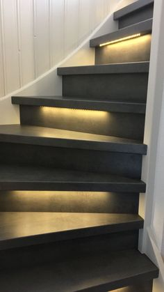 Small Space Staircase, Staircase Design, Otters Home, Stair Renovation, House Architecture Styles, Stair Lighting, Staircase Makeover, Trap Decor, Stairways