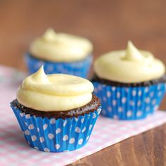 Battle of the Buttercreams IV: German Buttercream - The Tough Cookie Frosting Recipes, Buttercream Frosting, Zoe Cake, Delicious Desserts, Dessert Recipes, Yummy Recipes, French Buttercream, Cupcake Cakes, Cupcakes