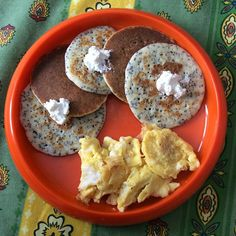 """Lemon poppyseed pancakes topped with cottage cheese and served with scrambled eggs. Sorry for the late breakfast post my hubs and J gave me the gift of sleeping in today I usually make pancakes on the weekends and when I asked hubby what kind he wanted he said banana...again for like the third or fourth time in a row. I wanted to try something new and creative so I made these instead lol. They aren't hard and tasty yummy! The cottage cheese really helps the flavour pop. J ate 4! 1⃣ Make…"