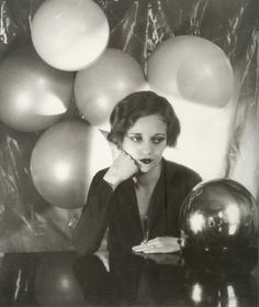 Tallulah Bankhead, Photograph by Cecil Beaton. Tallulah Bankhead – was an American actress of the stage and screen, . Classic Hollywood, Old Hollywood, Hollywood Glamour, Hollywood Stars, Hollywood Actresses, Tallulah Bankhead, Cecil Beaton, Thing 1, Annie Leibovitz