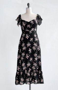 Vintage Inspired Dresses / Feminine Floral Dresses / Villa Sorella Dress
