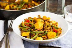 Pikante shoarma & sperziebonen Kung Pao Chicken, Abs, Training, Water, Ethnic Recipes, Food, Water Water, Aqua, Abdominal Muscles