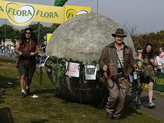 Extreme fundraiser Lloyd Scott ran the 2007 London Marathon as Indiana Jones, pulling a giant boulder.