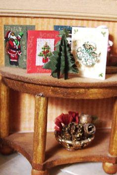 how to: origami Christmas tree (link: http://mon_monde_lilliputien.eklablog.com/sapin-en-origami-a58102839 )
