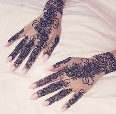 Most Elegant And Adorable Bridal Mehndi Designs Full Hands 2019 Mehndi Design Photos, Unique Mehndi Designs, Beautiful Henna Designs, Mehndi Designs For Hands, Henna Tattoo Designs, Bridal Mehndi Designs, Bridal Henna, Wedding Henna, Arabic Henna Designs