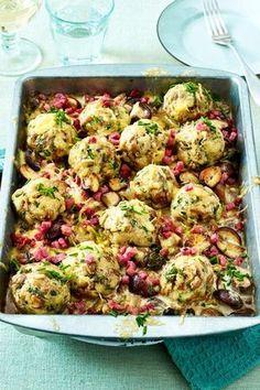 Bread dumpling casserole with mushrooms and bacon recipe DELICIOUS Semmelknödel-Auflauf mit Champignons und Speck Rezept