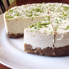 Vegan & Paleo Key Lime Cheesecake #justeatrealfood #prettypies