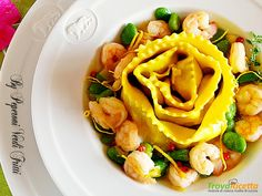 Cannellone a spirale con ragù di fave gamberetti e limone  #ricette #food #recipes
