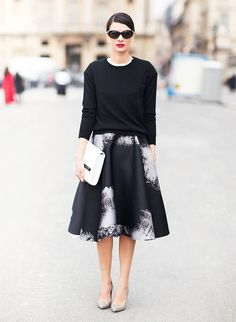 Chic holiday style: Printed a-line skirt + cozy sweater + red lip