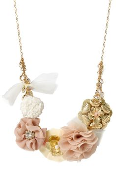 Flowered statement necklace. So pretty! #jewelry