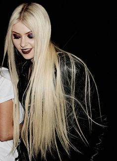 Daily Taylor Momsen