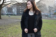 We discuss fur vs. #fakefur on #alternativefashion blog #antimuse, check us out and have a look.