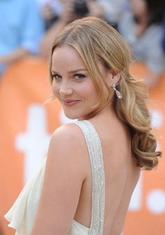 Abbie Cornish ...... She grew up on a 70-hectare (170-acre) farm, attended Catholic school, and was fascinated by independent and foreign films