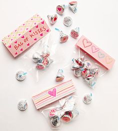 Craft a personalized bag of chocolate goodies for your special #Valentine! http://www.parents.com/holiday/valentines-day/cards/sweet-kisses/?socsrc=pmmpin130107HnCSweetKisses