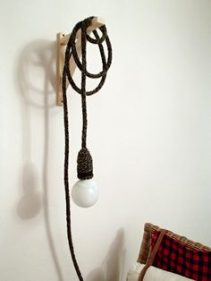Knitted lamp by Semplice Design - design Sanne Oostervink, photo archiLAURA