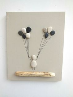 Birth Table, Art Deco, Baptism Gift, Floatwood and Pebbles - Fairy painting of pebbles with balloons: Collages by ingrid-creations Stone Crafts, Rock Crafts, Diy And Crafts, Crafts For Kids, Arts And Crafts, Diy Home Decor Projects, Art Projects, Decor Diy, Room Decor