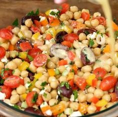 Salade de pois chiche à la méditerranéenne - Recettes - Ma Fourchette