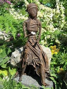 Learn how to make a beautiful garden sculpture from an old t-shirt. Using PAVERPOL, a wire ...