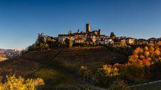 Autumn in Castiglione Falletto - The fall colors light up the Langa