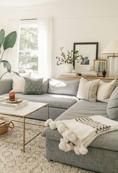 57 Impressive Small Living Room Ideas For Apartment. Are you looking for interior decorating ideas to use in a small living room? Small living rooms can look just as attractive . Living Room White, Beautiful Living Rooms, Small Living Rooms, New Living Room, Living Room Modern, Living Room Designs, Small Living Room Sectional, Rectangle Living Rooms, Living Room With Gray Walls