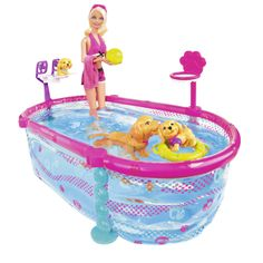 Barbie pool - Madi is obsessed with anything to do with swimming and water. Barbie Puppy, Barbie Kids, Barbie Dolls Diy, Barbie Fashionista Dolls, Barbie Doll House, Barbie Plane, Baby Barbie, Barbie Stuff, Baby Girl Toys