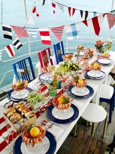 Tablescape ● party by the lake or sea