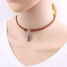 Women Vintage Bohemian Metal Leaf Feather Choker Double Layer Leather Rope Chain Circle Link Choker Necklace Jewelry for Work