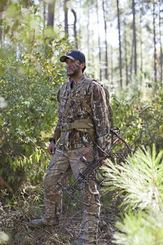 Luke Bryan hunting (nothing hotter then a guy that hunts!)