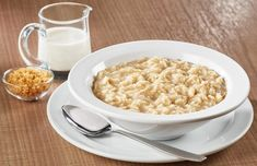 Oatmeal Diet Plan is a balanced calorie diet that requires you to eat at least two meals of the day through oatmeal .The Oatmeal Diet Plan is a balanced calorie diet that requires you to eat at least two meals of the day through oatmeal . Oatmeal Diet, Best Oatmeal, Oatmeal Porridge, Easy Diet Plan, Diet Plans To Lose Weight, Low Calorie Snacks, Calorie Diet, Oats Recipes, Diet Recipes