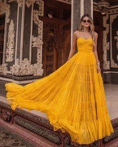Strapless Dress Formal, Prom Dresses, Formal Dresses, Pretty Dresses, Beautiful Dresses, Yellow Evening Dresses, Look Chic, Dream Dress, Look Fashion