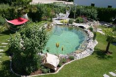 angenehmen schwimmteich selber bauen The Effective Pictures We Offer You About pool uteplats A quality picture can tell you many things. Swimming Pool Pond, Natural Swimming Ponds, Swiming Pool, Natural Pond, Piscina Diy, Pond Design, Diy Pool, Dream Pools, Cool Pools