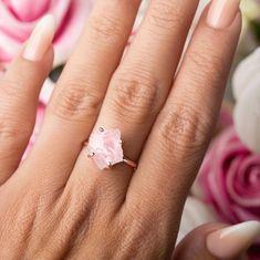 Raw Rose Quartz, Rose Quartz Ring, Pink Quartz, Quartz Crystal, Raw Stone Engagement Rings, Quartz Engagement Ring, Raw Crystal Jewelry, Crystal Ring, Pretty Wedding Rings