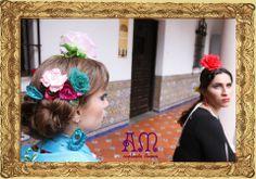 """Andalucía en Buenos Aires"" Nuevo Catálogo de Complementos Flamencos de AmapolasMoras 2014  Marina: Aros tejidos argolla con flor, peineta solitaria tejida modelo ""Esperanza"", peinetas de flores con cintas y mantoncillo bordado turquesa."