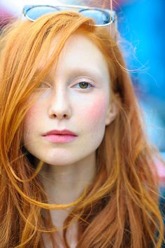 Rote Haare, rosa Lippen #redhair #ginger