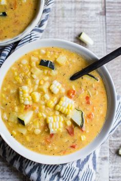 Vegan Corn Chowder- this soup is the perfect way to transition from summer to fall. It's dairy free, healthy, and a filling meal for the whole family! / vegan soup / vegan dinner (scheduled via http://www.tailwindapp.com?utm_source=pinterest&utm_medium=twpin&utm_content=post177448659&utm_campaign=scheduler_attribution)