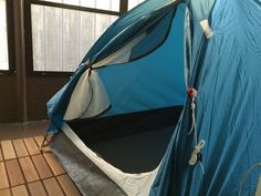 這次應該不會被趕出去吧 | 回頭臺南-rtTainan  我們已經在陽台睡了快一周的帳篷,睡帳篷的好處是什麼,你一定不知道,就是既省電又很涼爽,到今天,我們都有快感冒的跡象…